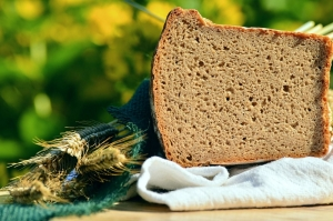 bread-1528169_1280-compressor